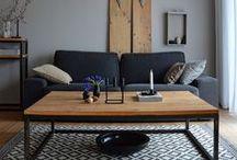 Wohnzimmerpics zu Ostern / Wohnzimmerdekoration zu Ostern, Osterdekoration, Traubenhyazinthen, schlichte Wohnzimmerdeko, Holzeier,