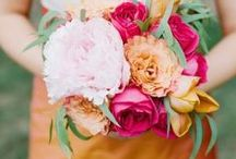 {Color Palette} Orange Wedding Inspiration / From tangerine to peach, get inspired for your wedding with every shade of orange!