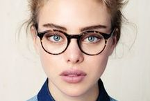 Lunettes / Les lunettes qui nous inspirent : les lunettes et la mode, lunettes de créateurs, lunettes pour homme et femme. Tous nos sujets et looks sur http://www.commeuncamion.com/guide/types/mode/lunettes/