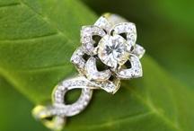 Rings / by Loli Molina