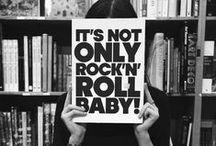 Mode Rock / Le Rock : son univers, ses icones, sa mode #mode #homme #rock #punk #icones #legende #guitare #basse #batterie #concert #live #tatouages #biere #50s #60s #70s #80s #90s Voir également notre rubrique sur le site http://www.commeuncamion.com/guide/styles/rock/