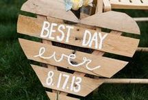 {Theme} Rustic Wedding Inspiration / Rustic Wedding Theme Inspiration perfect for a fall or winter wedding.