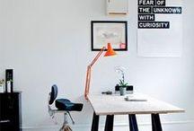 Espaces de travail / Nos inspirations pour aménager et décorer un espace de travail à la maison ou en entreprise de type bureau fermé ou open space