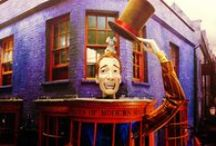 ◬ weasleys' wizard wheezes / Weasleys' Wizard Wheezes, also known as Weasley & Weasley, is a joke shop located at Number 93 Diagon Alley founded by Fred and George Weasley.
