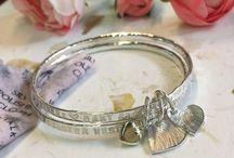 Armbanden / Armbanden met een persoonlijk karakter, met de hand gemaakt van .925 zilver - www.mmepomm.com