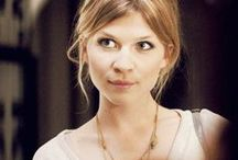 ◬ fleur delacour / Fleur Isabelle Weasley (née Delacour) (b. c. 1977) was a French, quarter-Veela witch daughter of Apolline Delacour and her husband. Fleur attended Beauxbatons Academy of Magic. During the 1994-1995 school year, she was Beauxbatons' champion in the Triwizard Tournament. Fleur took a part-time job at Gringotts to improve her English, and began dating her co-worker Bill Weasley.