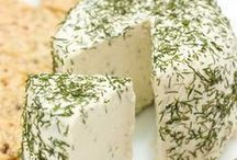 Vegan Cheeses / Recipes for homemade vegan cheeses
