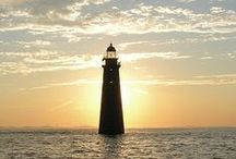LightHouses / by Mariana D
