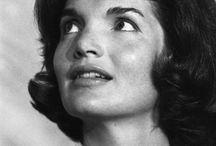 Jackie, Queen of Camelot / Jackie Bouvier Kennedy Onassis.