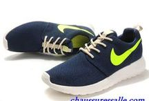 Chaussures Nike Roshe Run Femme pas cher / Chaussures Nike Roshe Run Femme pas cher http://www.chaussuressalle.com/Nike-Roshe-Run/Femme