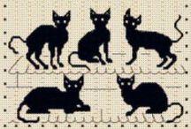 Кошки-вышивка