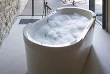 Vrijstaand bad / Vrijstaande baden van Van Wanrooij keuken- en badkamerspecialisten