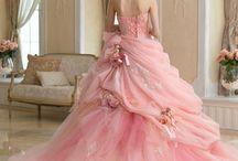 Proom Dresses™