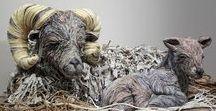 Eski Gazeteler, Büyüleyici Heykellere Dönüştürülüyor / Japon sanatçı Chie Hitotsuyama, bir pek çoğumuzun bir şeylerin altına sermekten fazlasını yapamadığı eski gazetelerden harika sanat eserleri oluşturuyor. (Deniz Humması - https://wp.me/p7eZYA-11l)