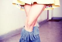 cizme la comanda / Incaltaminte din piele naturala la comanda: balerini, sandale, pantofi, botine, cizme cu toc, cizme fara toc, orice culoare si orice numar (33-42).Produsele sunt realizate manual din piele, piele intoarsa sau piele lacuita.Iti poti alege combinatiile de culori, calapodul dorit si tocul potrivit.Sunt gata in 5 zile.Livrare in toata tara.Pentru comenzi incaltamintedinpiele@gmail.com