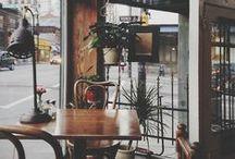 café + city life
