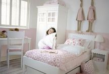 Tøsepigens værelse / Bedroom for little girls