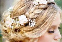 ▲ COIFFURE MARIEE ▲ / Des chignons, des tresses, des torsades: tout pour votre jolie tête à coiffer.