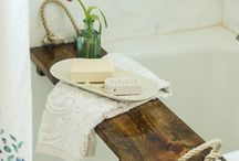 Upstairs Bathroom / Ideas to make your master bathroom extra luxurious! Shabby chic vibes.