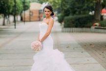 Black white and blush Slovakia wedding / Flordeluxe