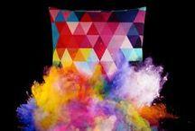 Kissen / Kissen mit geometrischen Mustern von ART LEKONT