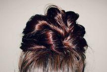 Hair Do's / by Mélodie Gagnon