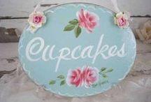 BAKERY ~ CUPCAKES / by Carolyn