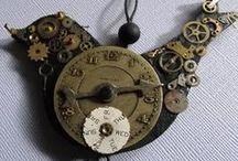 Trinkets / Clocks, lockets, keys and other trinkets!!!!