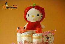 Tartas de Pañales Hello Kitty / Para más información o presupuestos en www.caprichosisama.es