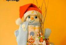 Tartas de pañales navideñas / En este tablero encontrarás nuestros nuevos modelos de Tartas de pañales navideñas . Para más info visitar nuestra web www.caprichosisama.com