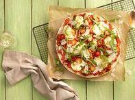20-Minuten-Rezepte / Gutes Essen geht auch einfach und schnell! Ihr sucht das perfekte Gericht für euren Feierabend und habt keine Lust, lange in der Küche zu stehen? Mit unseren 20-Minuten-Rezepten zaubert ihr im Handumdrehen das perfekte Gericht auf euren Tisch - egal ob orientalischer Couscoussalat, Fladenbrotpizza oder vegetarischer Pasta-Tofu-Reis.