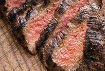 Grillen - Fleisch / Einer Sommer ohne Grillen ist kein Sommer. Die liebste Zutat ist natürlich Fleisch in allen Variationen. Gut mariniert werden die leckersten Fleischbrocken super zart. Probier es aus!!!
