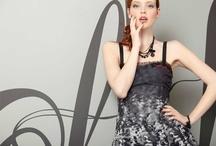 Collection FALL - WINTER 2012 / LMV La Mode est à Vous : la mode femme créative et accessible Des vêtements femme qui ne manquent pas d'audace !  Des vêtements originaux, des matières recherchées, des styles audacieux … Au fil des saisons, LMV La Mode est à Vous propose une mode femme originale et pétillante. La marque à la libellule propose des vêtements femme qui jouent sur les superpositions, les coupes déstructurées et les détails inédits.