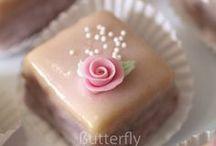cakes/cakepops/cupcakes