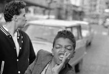 Le gang di Parigi negli anni '80 / Le gang Rockabilly di Parigi negli scatti inediti del fotografo Gilles Elie Cohen.
