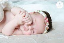 Fotos bebés / No hay nada más relajante que fotografiar a un bebé mientras duerme. En La vida es cuca, realizamos sesiones de recién nacido y bebés.