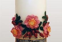 Kerzen zum Geburtstag / Bei den von mir mit viel Liebe zum Detail gestalteten Kerzen lege ich besonderen Wert auf ein originelles, kreatives Design und auf qualitativ hochwertige kunsthandwerkliche Arbeit. Alle Details werden von Hand modelliert und in traditioneller Wachsauflagetechnik auf die Kerze gebracht. Natürlich berücksichtige ich auch spezielle Kundenwünsche und berate Sie gern bei der Auswahl des Motives für Ihre Kerze. Mit herzlichen Grüßen. Barbara Günther von wachs und werk.
