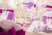 Esküvői dekoráció lila-Lilac or violet wedding decoration / A lila szín a béke, a barátság szimbólumaként jótékonyan hat a szerelmi kapcsolatokra. Az örök egyensúlyt és harmóniát jelképezi. A lila szinte összes árnyalatát segítségül hívhatod esküvői dekorációdban, mert mindegyik gyönyörű. A lila színt kombinálhatod fehér vagy krém színekkel. Ha különleges és erőteljes dekorációra vágysz, akkor akár barna, sárga, zöld színekkel is kombinálhatod.
