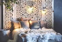 Scandinavian-Boho Home / Scandinavian meets Bohemian, Minimalist meets Gipsy. White and clean base + materials like wood, stone, leather and fur. Handmade details. Add green plants all over.