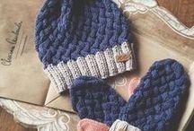 Háčkované, pletené čepičky