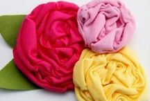 DIY Accessories / Free hair bow tutorials, how to make with ribbon hair bows, fabric flowers tutorials, hair accessories tutorials and how to make felt flowers.