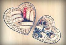 Objetos de alambre, rejilla o forja. I love it / cestas de decoración metálicas de rejilla, de alambre o gallinero, perfectas en cualquier lugar / by Honey Poppies