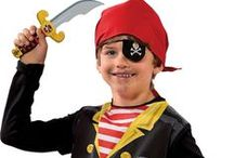 SES Pirate World & Knight World / Explore the world of knights and swarthy pirates. Act like a real pirate with your pirate's hook, eye patch, bandana, telescope and sword. And feel like a knight with a cool sword.