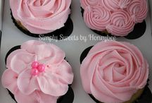 Cake Decorating How to's / Icing, ganache, frosting....recipes and how-to's for decorating and icing cakes...