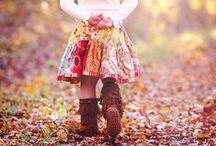 Herfst / Zes letters en maar één klinker: dat moet een bijzonder woord zijn. Een bijzonder seizoen is het zeker! Als de dagen korter worden met een warme trui tegen je lief aankruipen. Misschien nog bij een vuurpotje in de tuin, anders op de bank met kaarsjes aan. Mooie (mooie!) kleuren. <3 this season