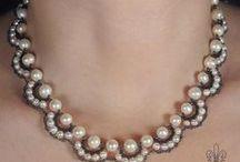 bigiotteria / collane bracciali orecchini anelli