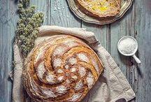 Food - Bread / Delicious bread. Home made bread. Freshly baked bread. Bread.
