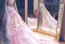 Very beauty dress / Fashion passes, style remains