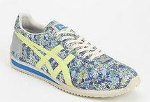 Viscomm. shoe design
