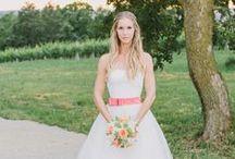 Brautkleid I Wedding Dress / Die schönsten Brautkleider, Brautschuhe und Frisuren für die Hochzeit - Wedding gowns